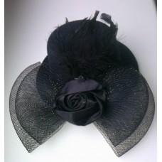 Mini skrybėlaitė (juoda)